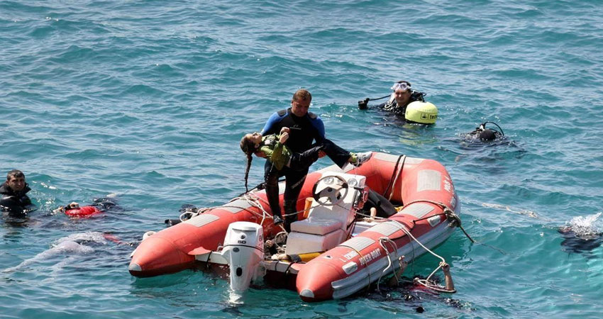 منظمة إسبانية تتهم خفر السواحل الليبي بترك امرأة وطفل يموتان غرقًا