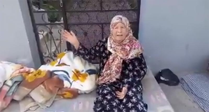 بالفيديو: عائلة بالمرسى الجوية تستغيث بعد أن حُجز منزلهم وشرّدوا في الشوارع