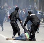 J'ai été frappée par les policiers tunisiens : le témoignage de la correspondante du Le point