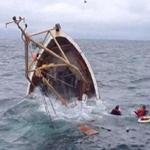 عشرات القتلى في غرق قارب يحمل مهاجرين قبالة ليبيا