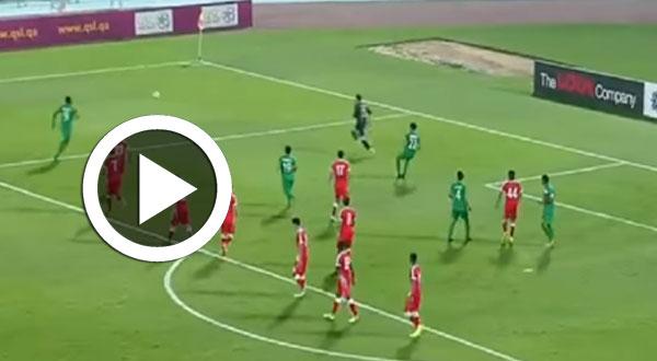 بالفيديو..حارس مرمى ساذج يتسبب في خسارة فريقه