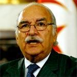 Le Parlement adopte la loi permettant au président de gouverner par décrets-lois