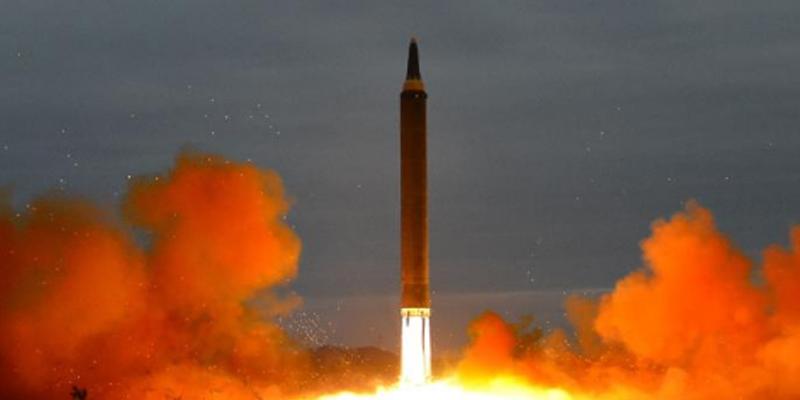 الهند تطلق صاروخا عابرا للقارات يحمل رؤوسا نووية