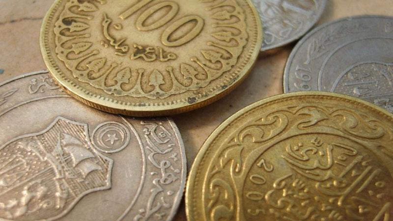 يبيعان نقود تونسية على أساس أنها قطع روماني ة ذهبي ة