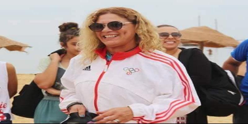 السبّاحة فاتن غطاس تكسب التحدي من صفاقس إلى قرقنة في عيد المرأة