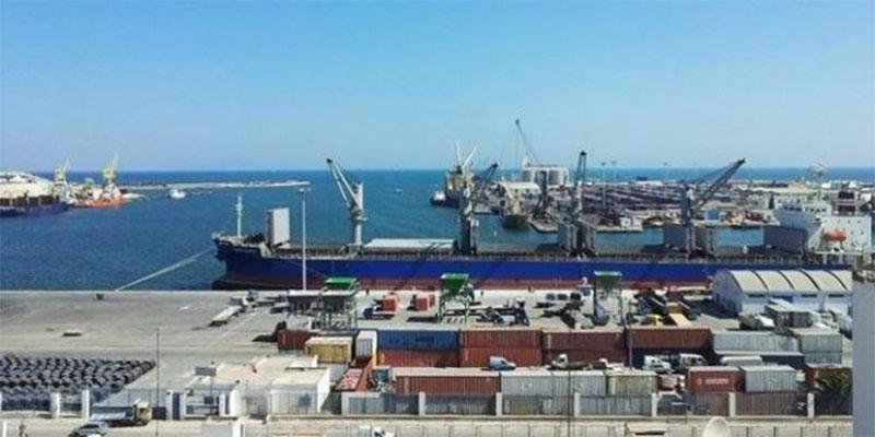 ميناء حلق الوادي:ضبط 4 أشخاص بصدد التسلل إلى إحدى البواخر التجارية