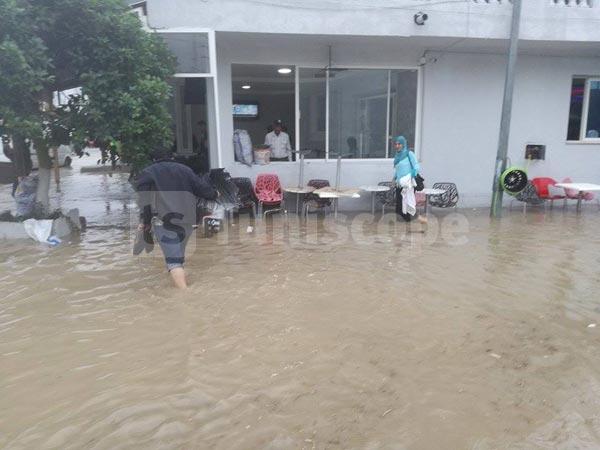 بالصور: أمطار غزيرة وتعطّل حركة السير بمعتمدية قرنبالية من ولاية نابل