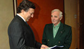 Charles Aznavour devient ambassadeur pour l'Arménie en Suisse