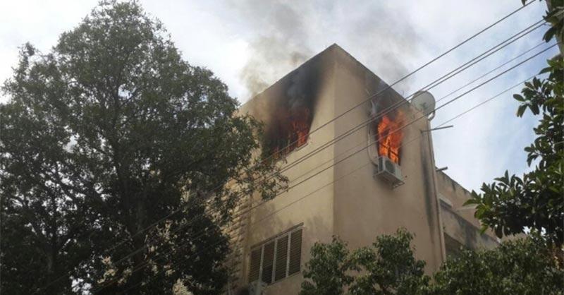 المنيهلة: طفل من ذوي الإحتياجات  الخصوصية يضرم النار في شقته<