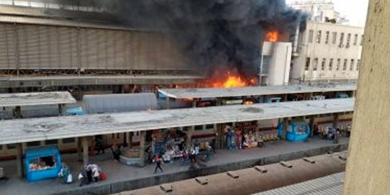 En vidéo : Incendie à bord d'un train en Égypte, plusieurs morts et blessés