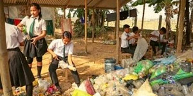 Une école indienne accepte pour frais de scolarité le plastique