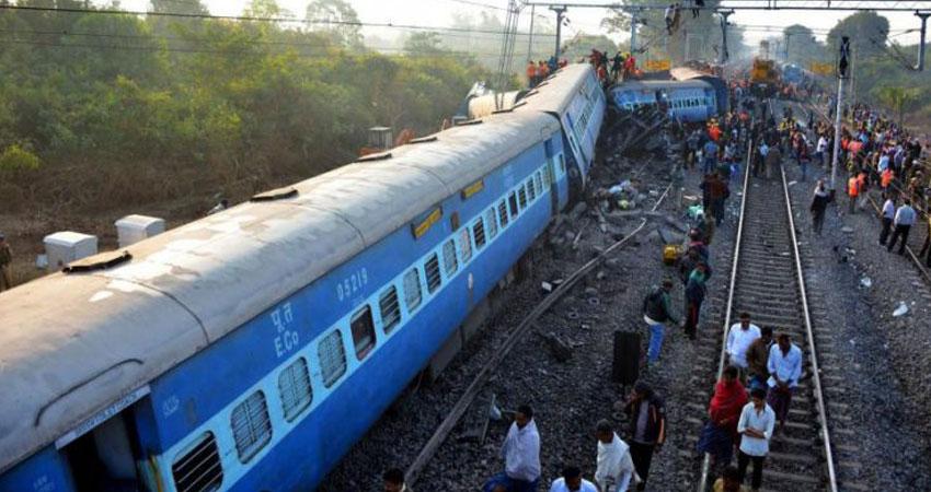 إصابة 14 شخصا إثر خروج قطار عن مساره شمالي الهند