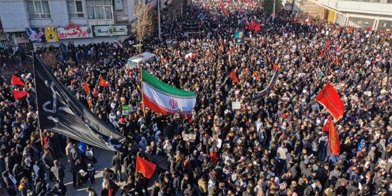 L'Iran promet vengeance lors de l'enterrement de Soleimani
