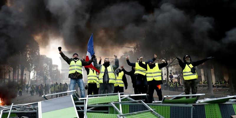 Pacte social proposé par Macron pour faire face à la colère des gilets jaunes