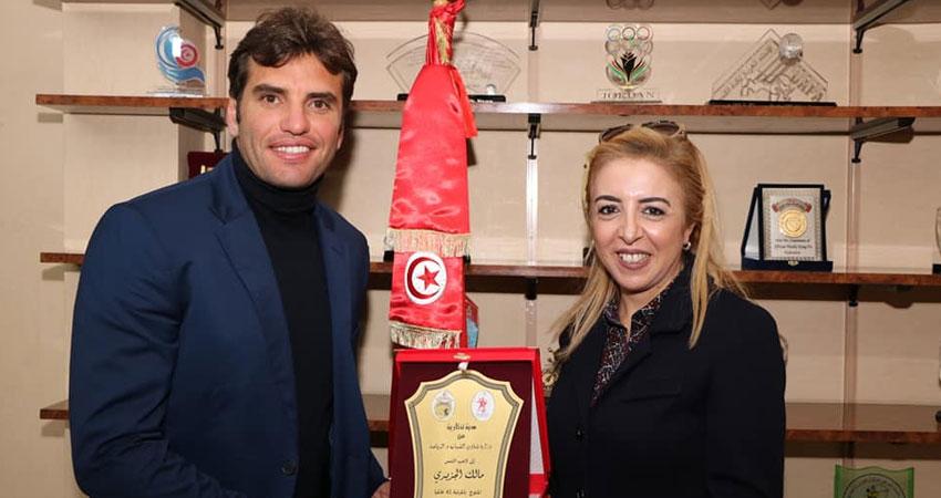 وزيرة الشباب والرياضة تكرم لاعب التنس مالك الجزيري