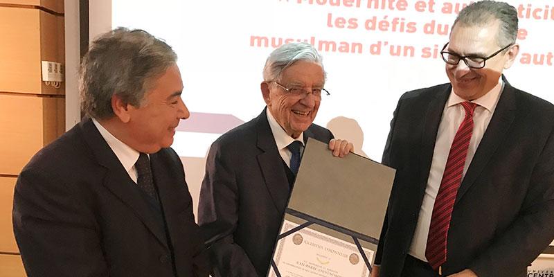 Jean-Pierre Chevènement à Tunis pour parler des défis du monde musulman