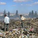 جربة :متساكنوا النفاتية يحتجزون عون شركة متعاقدة مع وكالة التصرف في النفايات