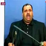 احتجاجا على الصمت العربي: مذيع أردني يشهر سيفا بوجه حكام عرب على الهواء ويتسبب في إغلاق القناة