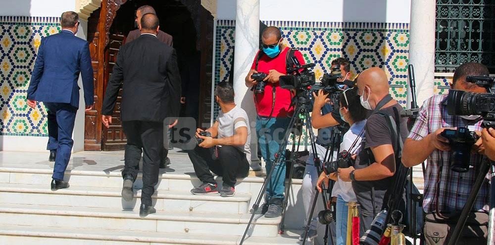 Mechichi présente ses excuses aux journalistes