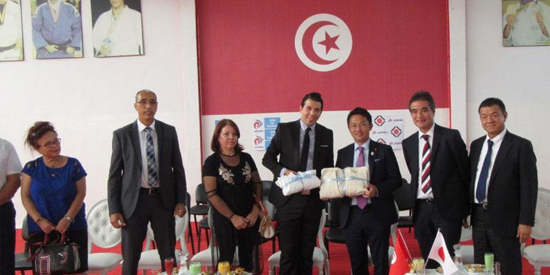 Ambassade du Japon en Tunisie: Décernement de Judogis à la Fédération Tunisienne de Judo
