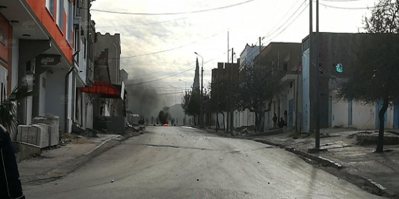 القصرين: عودة الهدوء بعد ليلة من الكر والفر وإصابة عدد من الأمنيين