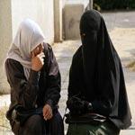 قليبية: أستاذ رياضيات يدعو الفتيات إلى ارتداء اللباس الشرعي