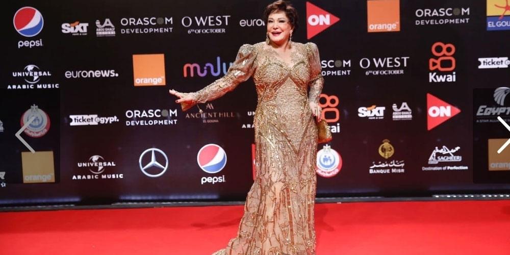 سقوط لبلبة علي مسرح افتتاح مهرجان الجونة السينمائي