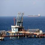 الحكومة الليبية تهدد بقصف ناقلة نفط كورية