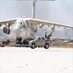 بعد فتح مطارين صغيرين:عشرات المسافرين الليبيين يتدافعون لمغادرة ليبيا