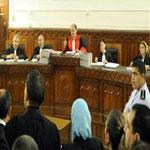 الارهابي عز الدين عبد اللاوي يتهجم على حرمة القضاة أثناء الجلسة