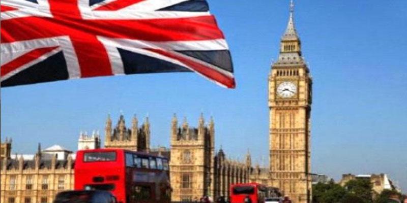 وزير بريطاني يستقيل بعد فضيحة جنسية برسائل نصية