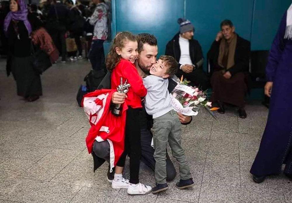 بالصور : وصول مهدي العياشي إلى تونس