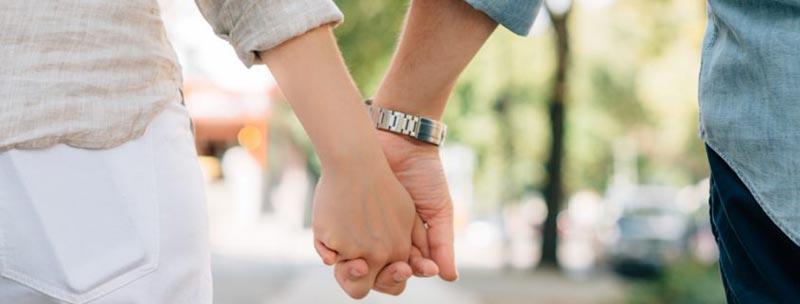 بعد دراسة امتدت 18 عاماً...المتزوجون أسعد من العزاب