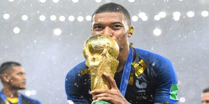 اللاعب الفرنسي مبابي يتبرع بكل مكافآت المونديال للأطفال المرضى