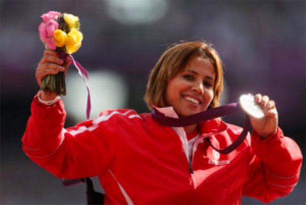 Hania Aidi remporte la médaille d'argent en lancer du poids aux championnats du monde handisport d'athlétisme