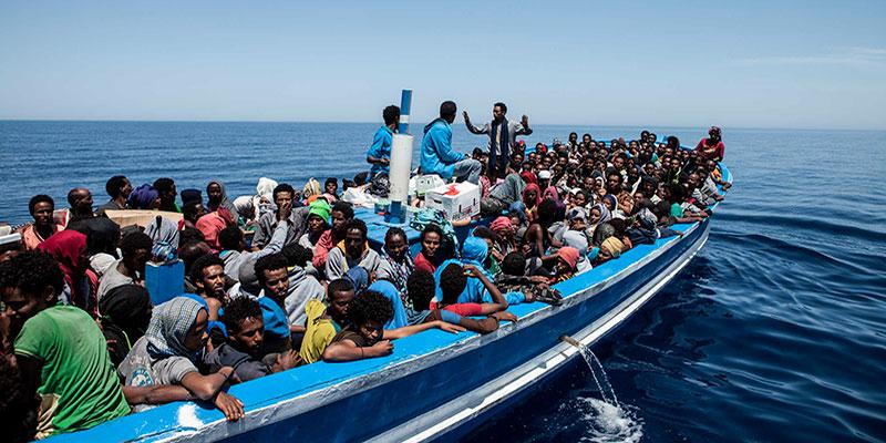 Après avoir causé la mort de 10 migrants libyens, un passeur tunisien inculpé en Italie
