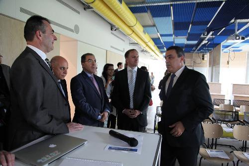 وطني برلين: رئيس الحكومة مهدي جمعة يزور مركز التجديد التكنولوجي meh-180614-1-500x100