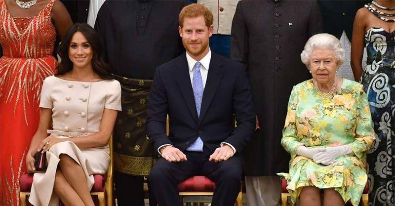 ماركل ترتكب تصرفا ''لا يليق في حضرة الملكة''