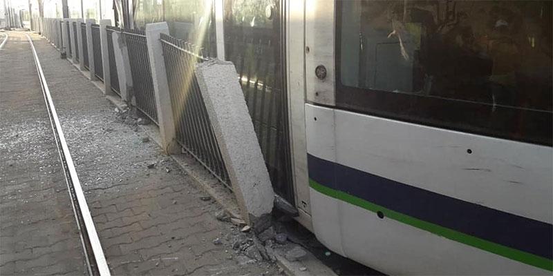 En photos : Une rame de métro déraille à la station du Bardo