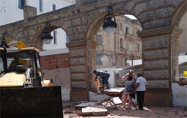 Suite à la démolition du mur à l'Avenue de France, Magasin Général précise et dénonce