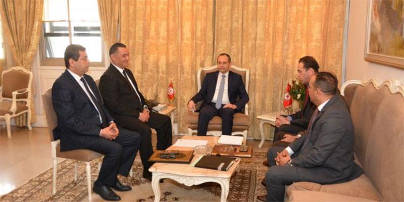وزير الداخلية يشرف على اجتماع أمني رفيع المستوى للنظر في الوضع الأمني العام بالبلاد