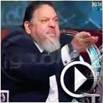 بالفيديو.. مشادة كلامية حادة بين صحافي ومحامي الجماعات الإسلامية