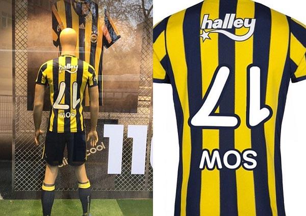 En photos : Une équipe turque commercialise ''un maillot à l'envers'' de son joueur. Découvrez les raisons