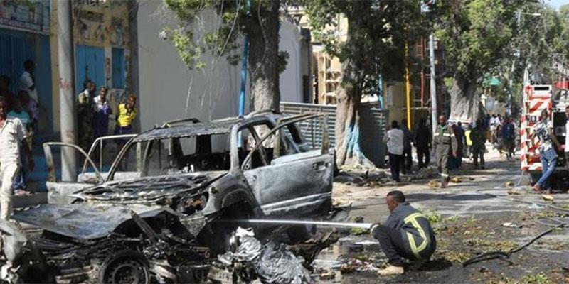 انفجار سيارة قرب مقر وزارة الداخلية وسط مقديشو