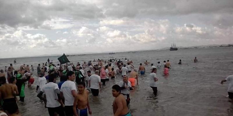 Photo du jour : baignade du jour de l'an à Nabeul