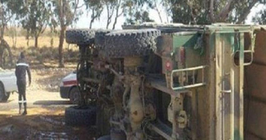 اصابة عسكريين في انزلاق شاحنة عسكرية على مستوى جبل النحلي