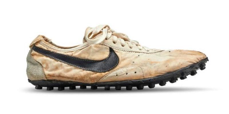 Une paire de Nike vendue 437.500 dollars aux enchères