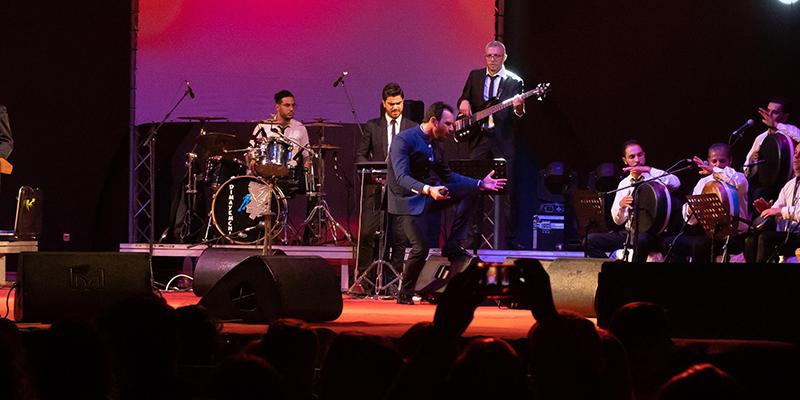 نور شيبة يبهر جمهوره في مهرجان جربة الدولي