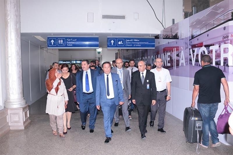 بالصور: أعضاء لجنة الإصلاح الإداري والحوكمة الرشيدة ومكافحة الفساد ومراقبة التصرف في المال العام في مطار تونس قرطاج