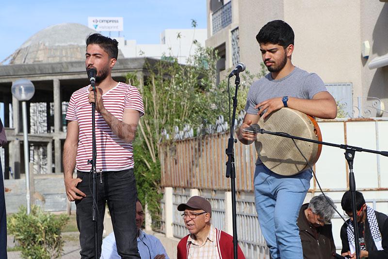 صور من الوقفة التضامنية مع القضية الفلسطينية قرب السفارة الأمريكية بتونس